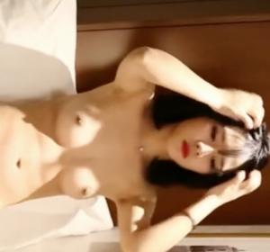 风吟鸟唱流出嫩模苏欣冉(流光夏)酒店私拍【720P】