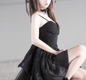 Cos疯猫ss - 猫漫展黑裙高清版图集 [10P/78MB]