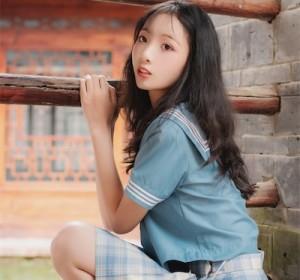 清纯美女西瓜 - 丽江写真JK 高清写真集 [44P/340M]