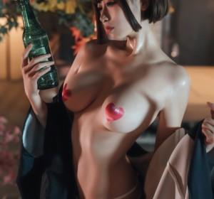Coser奈汐酱 - 热情老板娘高清写真集[16P/165M]