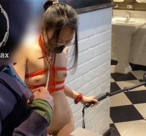 FSS冯珊珊 - 商场男厕手擒陌生人高清视频[2V/921M]