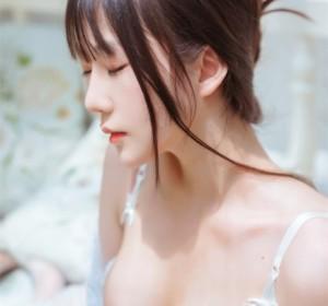 Coser 香草喵露露 - 玻璃房少女高清写真集[76P/1.2G]