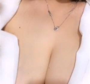 大奶少妇诱惑自拍高清视频[1V/267M]
