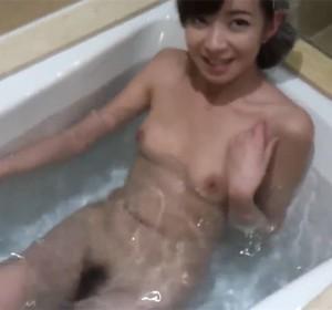 空姐浴缸激情啪啪玩高难度动作普通话对白高清视频[1V/188M]