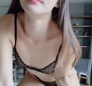 OnlyFans博主kkimkkimmy高清视频19[1V/186M]